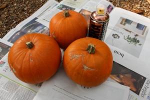 DIY Copper Pumpkin Center-Pieces